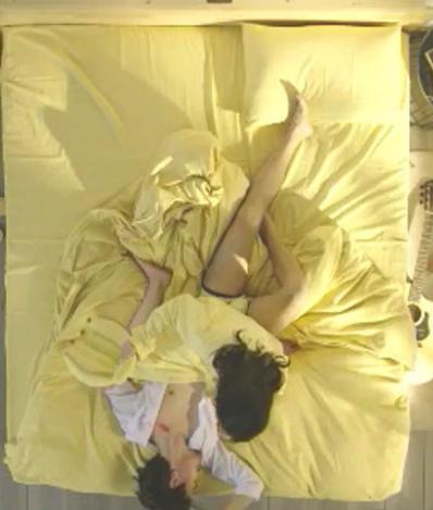 图片[1]-京东4件套广告事件原版视频:情侣同居故事—从如胶似漆到悲痛欲绝-福利巴士